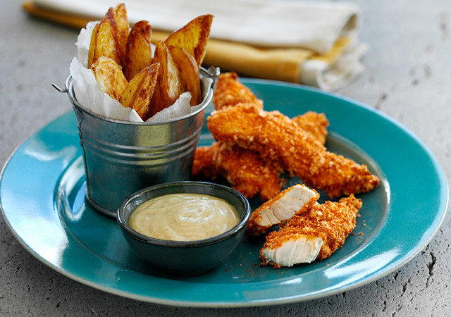 oven-baked-chicken-dippers-and-potato-wedges