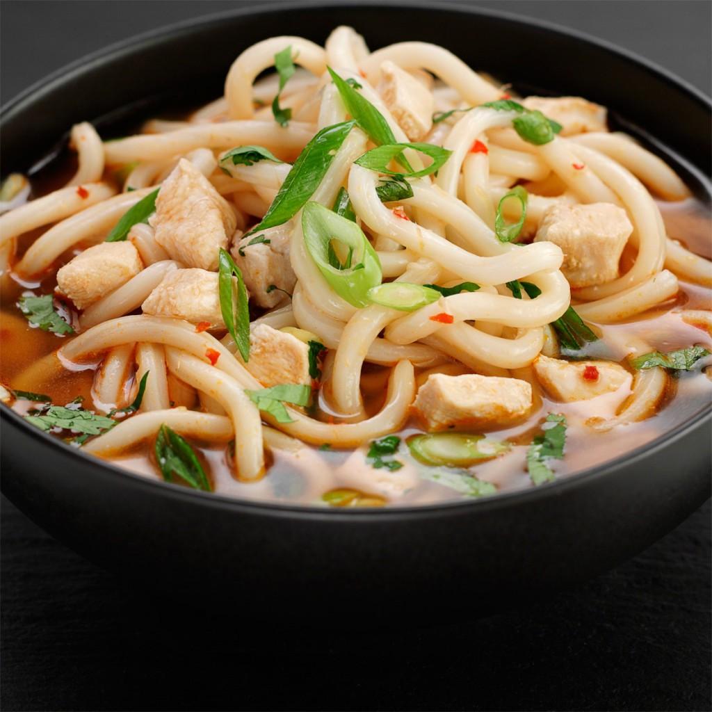 Sopa asiática de Noodles y pollo