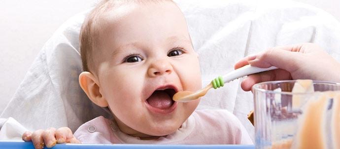 Lo que debe comer tu bebé a los 3, 6 y 9 meses