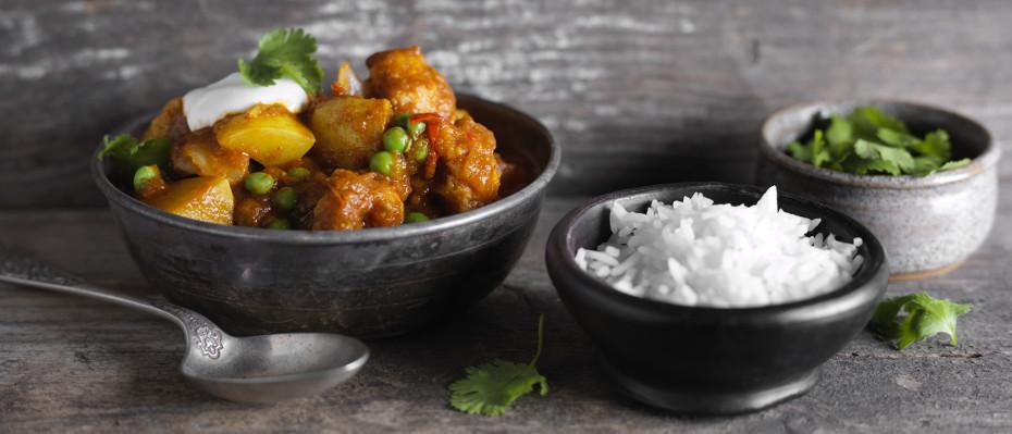 Cauliflower, Pea & Potato Curry