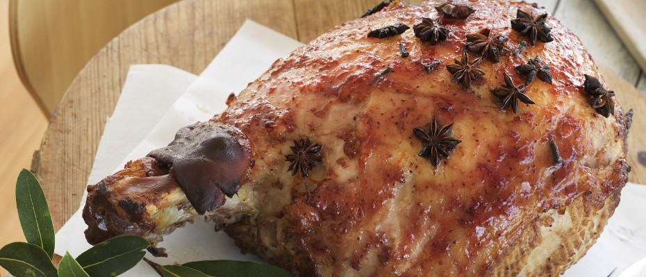 Cranberry and Maple Glazed Ham
