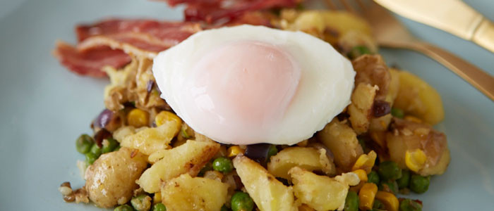 Easy SteamFresh 'Hash' with Poached Egg and Bacon