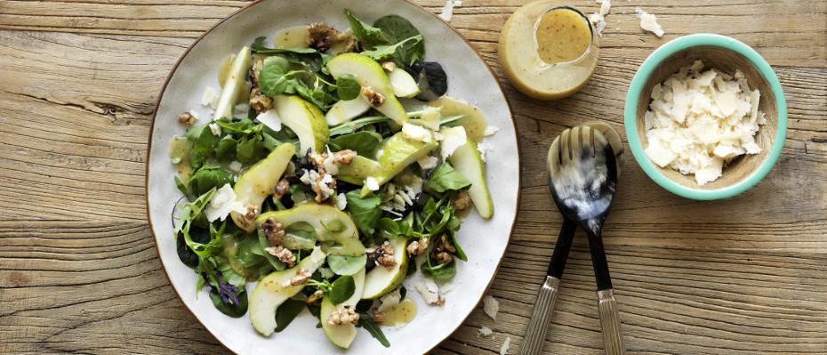 Honey Mustard, Pear and Walnut Salad