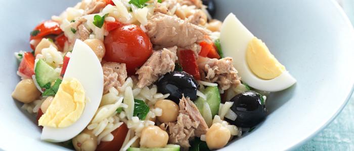 Mediterranean Tuna and Chickpea Salad