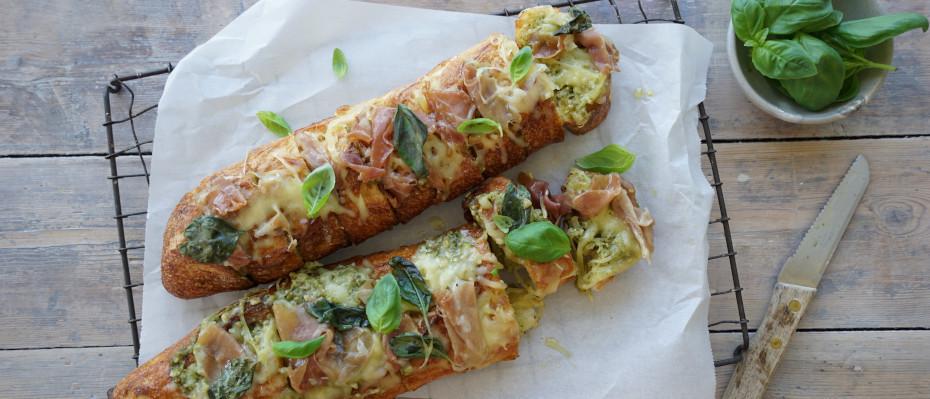 Pesto and Prosciutto Garlic Bread with Mozzarella