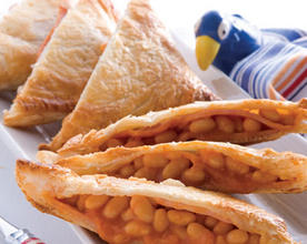 Cheesy Baked Bean and Ham Pies