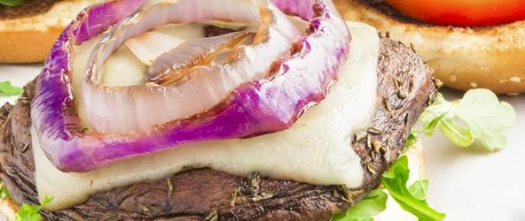 Sándwich de setas y queso suizo