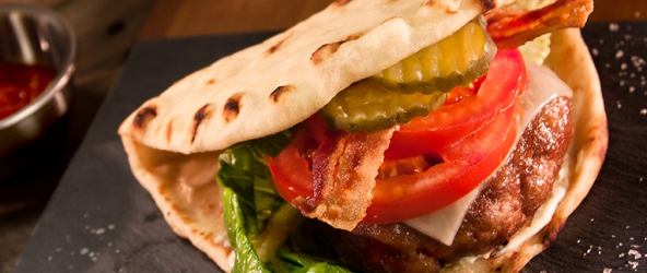 Hamburger BLT de pavo relleno de queso de papa