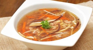 Soup with Minced Beef and Shredded Vegetables image